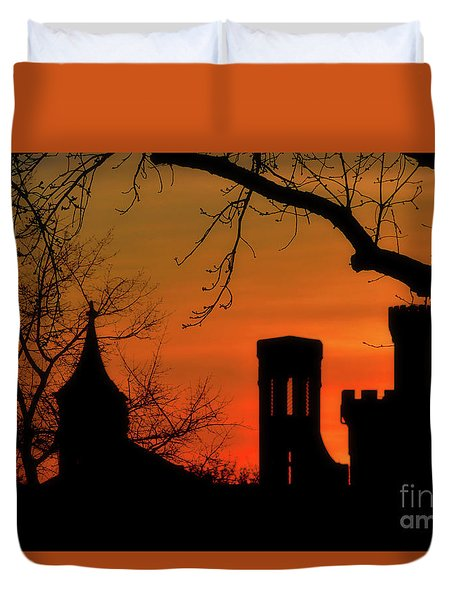 Smithsonian Castle Duvet Cover by Luv Photography