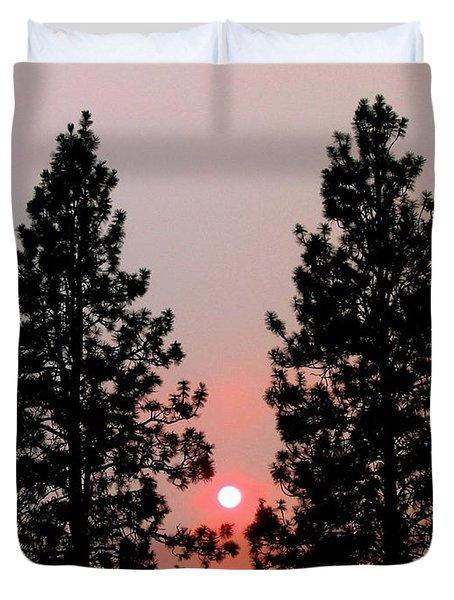 Smokey Okanagan Sunset Duvet Cover by Will Borden