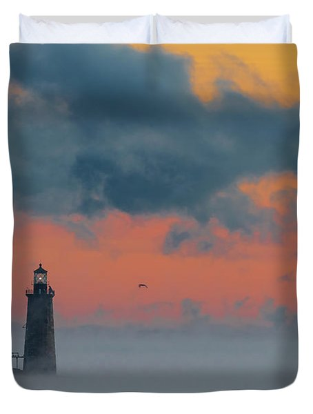 Smokey Sunrise At Ram Island Ledge Light Duvet Cover