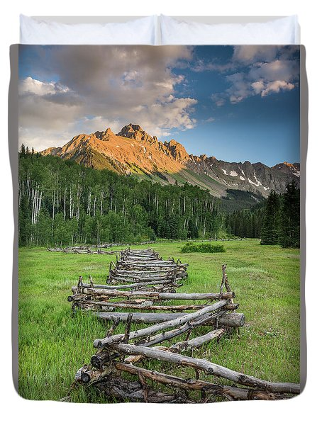 Sneffels Fence Vertical Duvet Cover