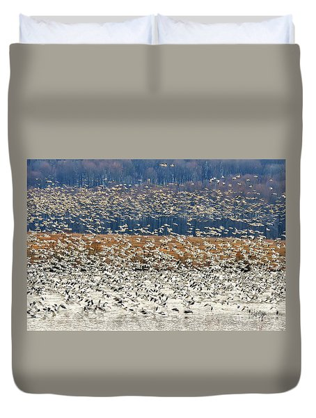 Duvet Cover featuring the photograph Snow Geese At Willow Point by Lois Bryan