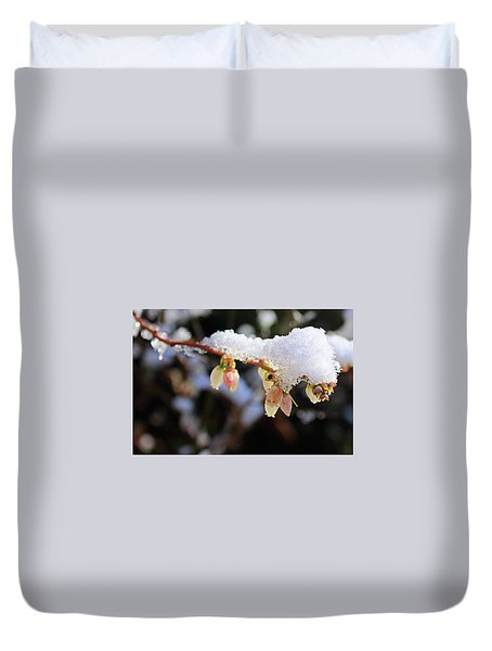 Duvet Cover featuring the photograph Snow On Blueberry Blossoms by Kristin Elmquist