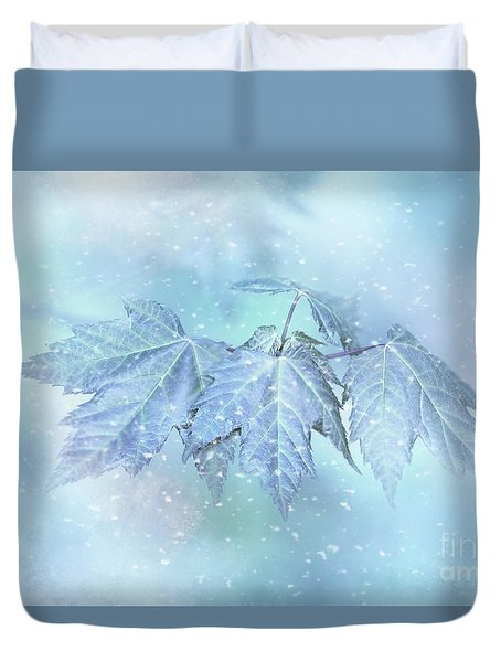 Snowy Baby Leaves Duvet Cover