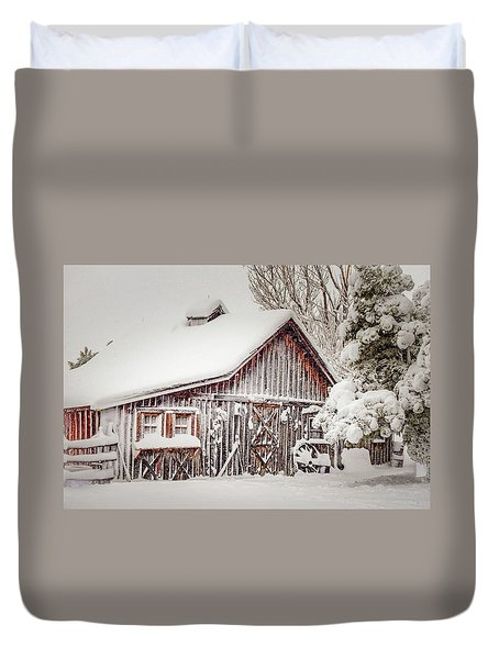 Snowy Country Barn Duvet Cover