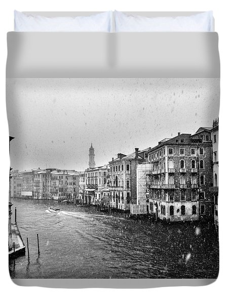 Snowy Day In Venice Duvet Cover