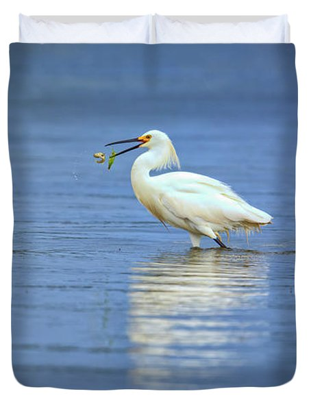 Snowy Egret At Dinner Duvet Cover by Rick Berk