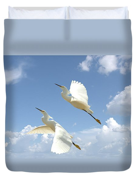 Snowy Egrets In Flight Duvet Cover