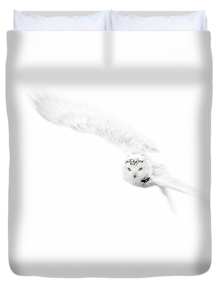 Duvet Cover featuring the photograph Snowy Owl In Flight by Gigi Ebert