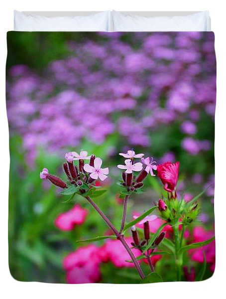Duvet Cover featuring the photograph Soapwort And Pinks by Kathryn Meyer