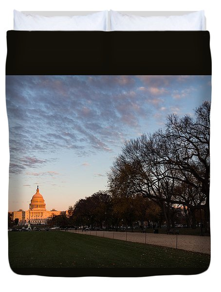 Soft Orange Glow - U S Capitol And The National Mall At Sunset Duvet Cover
