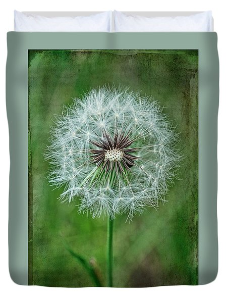 Duvet Cover featuring the photograph Softly Sitting by Jan Amiss Photography