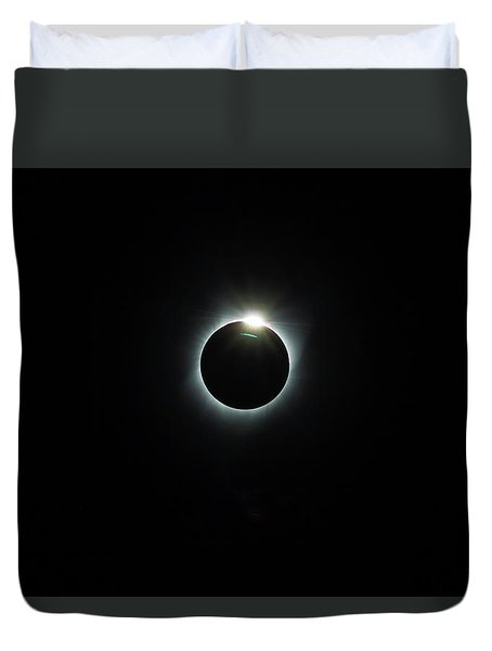 Solar Eclipse 2017 Duvet Cover by David Gn