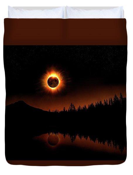 Solar Eclipse 2017 Duvet Cover