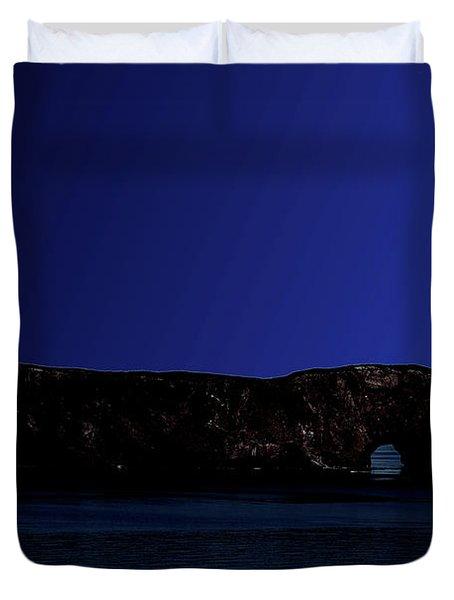 Solar Eclipse Over Perce Rock Duvet Cover