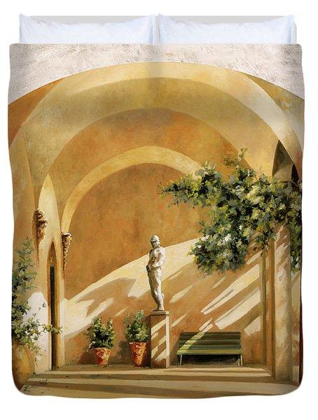 Sole Tra Gli Archi Duvet Cover