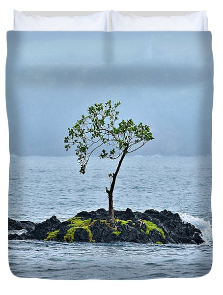 Solitude In Hilo Bay Duvet Cover by Christopher Holmes