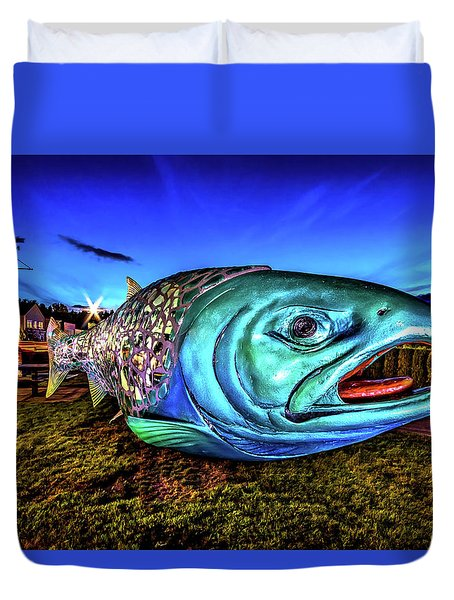 Soul Salmon During Blue Hour Duvet Cover by Rob Green