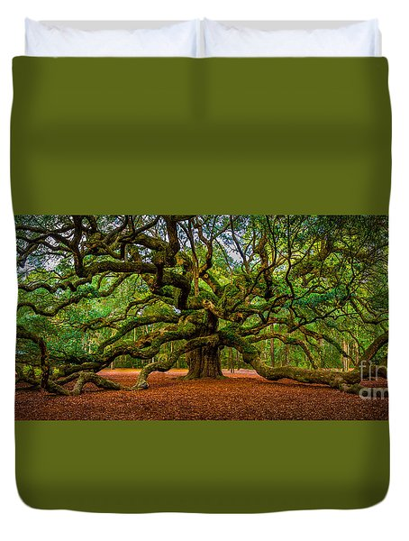 Angel Oak In Charleston Duvet Cover