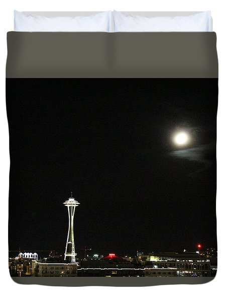 Space Needle And The Full Moon Duvet Cover by Suzanne Lorenz
