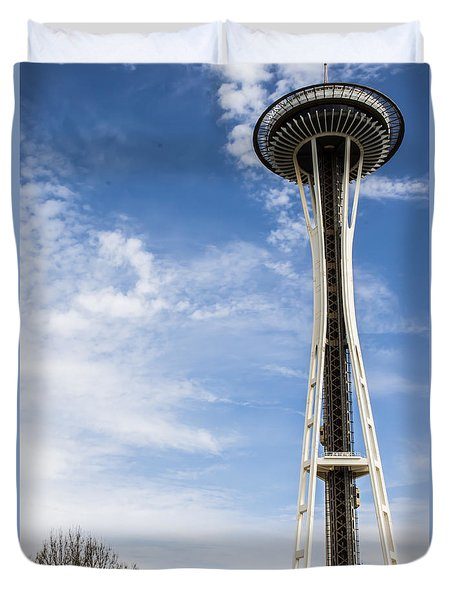 Duvet Cover featuring the photograph Space Needle by Suzanne Luft