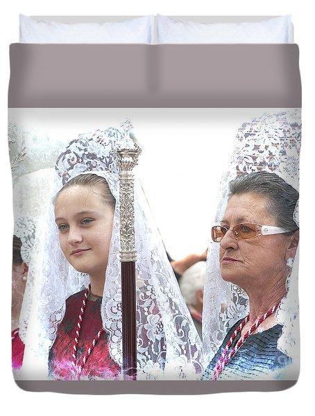 Spanish Ladies In Their Mantillas Duvet Cover