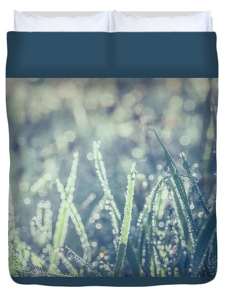 Duvet Cover featuring the photograph Sparklets by Gene Garnace
