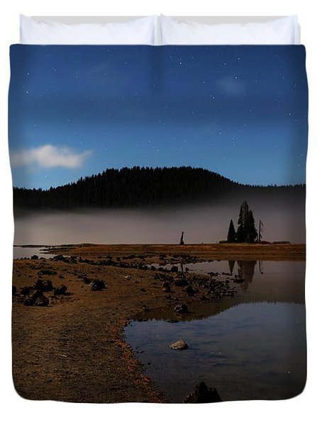 Duvet Cover featuring the photograph Sparks Lake At Dawn by Cat Connor