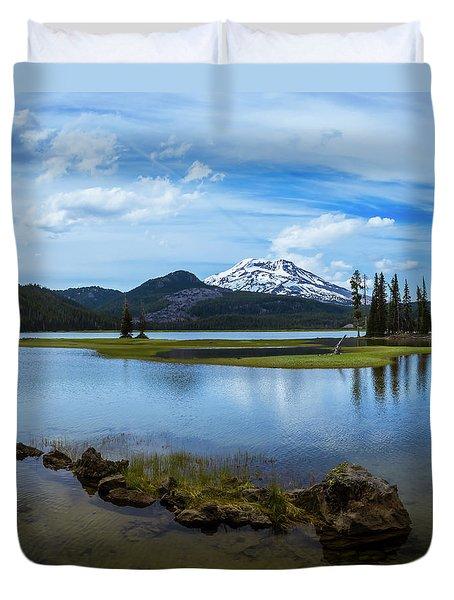 Sparks Lake, Oregon Duvet Cover