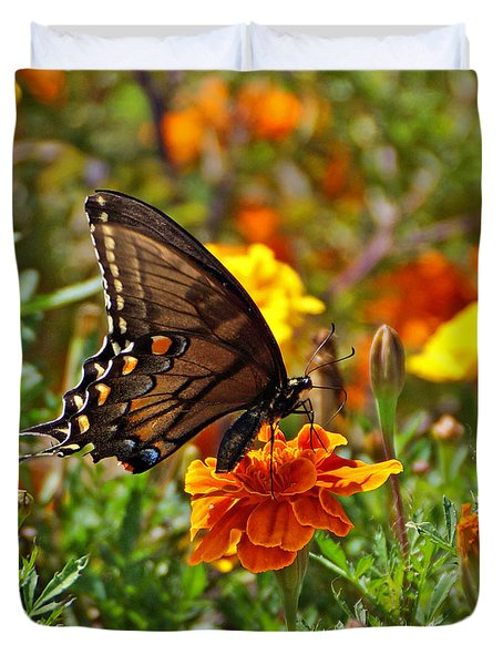 Spicebush On Marigold Duvet Cover