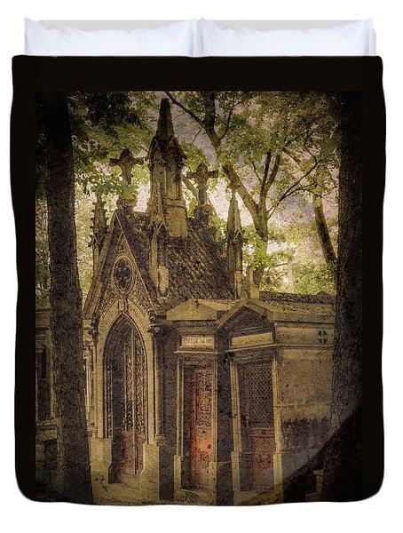 Paris, France - Spirits - Pere-lachaise Duvet Cover
