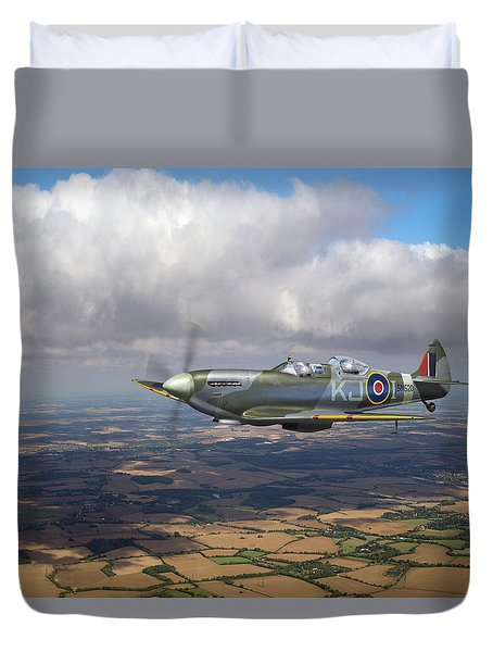 Duvet Cover featuring the photograph Spitfire Tr 9 Sm520 by Gary Eason