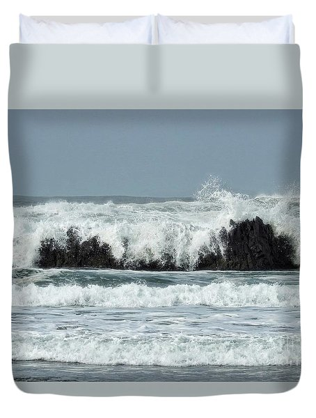 Duvet Cover featuring the photograph Splash by Peggy Hughes