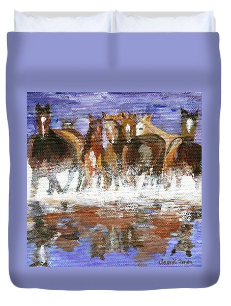 Duvet Cover featuring the painting Splashing Around by Jamie Frier