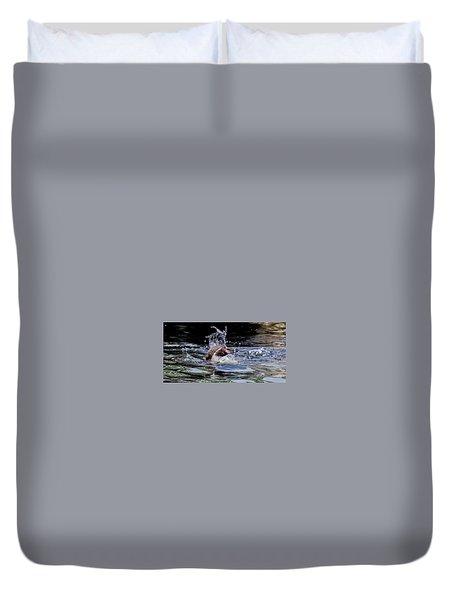 Duvet Cover featuring the photograph Splashing Humboldt Penguin by Scott Lyons