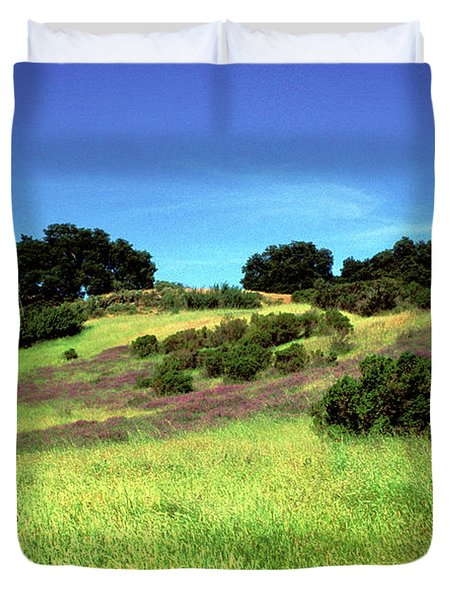 Splendor In The Grass Duvet Cover by Kathy Yates