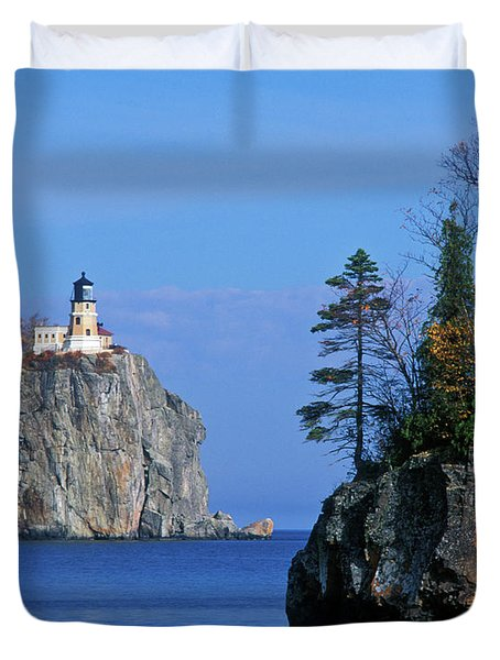 Split Rock Lighthouse - Fs000120 Duvet Cover by Daniel Dempster