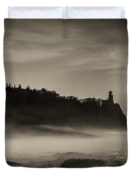 Split Rock Lighthouse Emerging Fog Duvet Cover