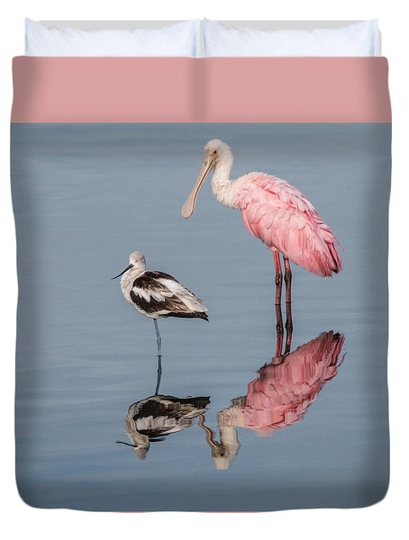 Spoonbill, American Avocet, And Reflection Duvet Cover