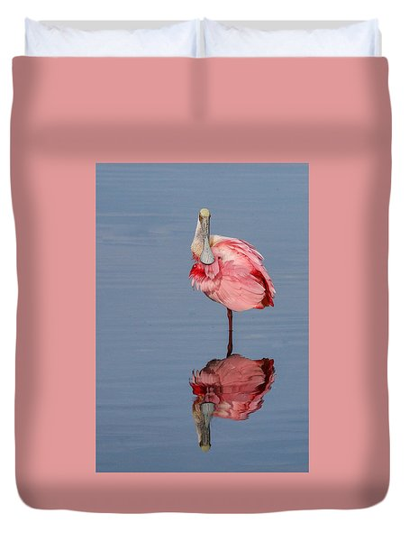 Spoonbill And Reflection Duvet Cover