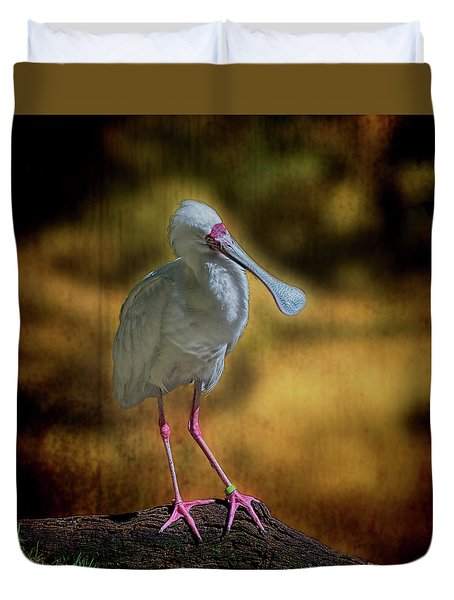 Duvet Cover featuring the photograph Spoonbill by Lewis Mann
