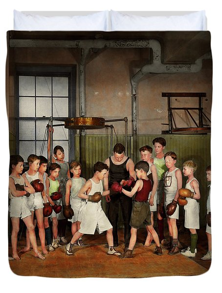 Duvet Cover featuring the photograph Sport - Boxing - Fists Of Fury 1924 by Mike Savad