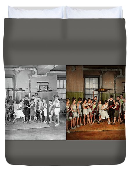 Duvet Cover featuring the photograph Sport - Boxing - Fists Of Fury 1924 - Side By Side by Mike Savad