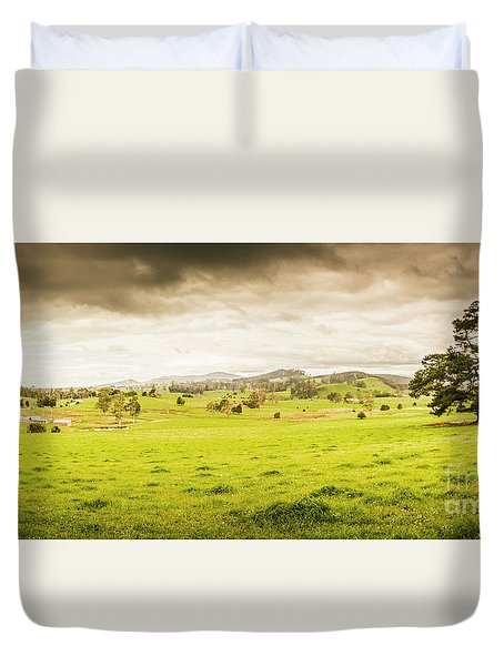 Spring Field In Springfield Duvet Cover