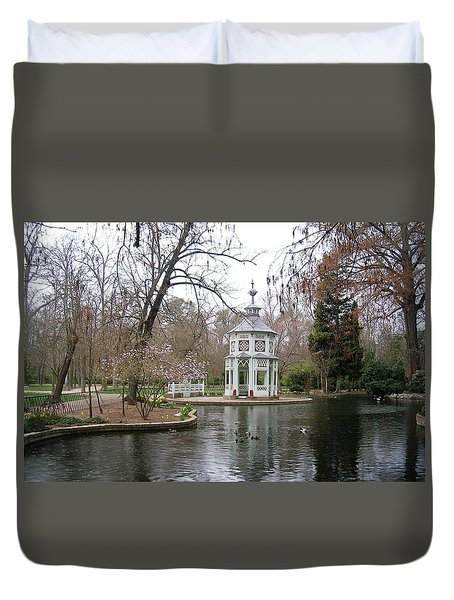 Spring In The Aranjuez Gardens Spain Duvet Cover by Valerie Ornstein