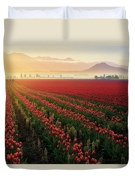 Duvet Cover featuring the photograph Spring Palette by Ryan Manuel