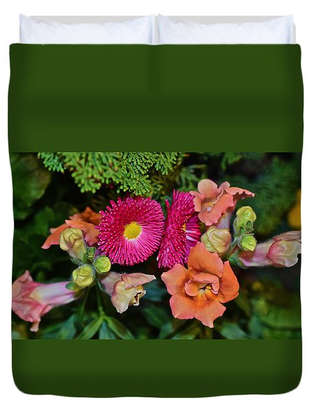 Spring Show 15 Snapdragons And English Daisy Duvet Cover