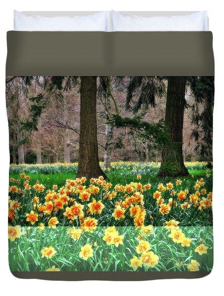 Spring Woodland Daffodils Duvet Cover