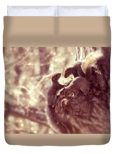 Squirrels - A Family Affair II Duvet Cover
