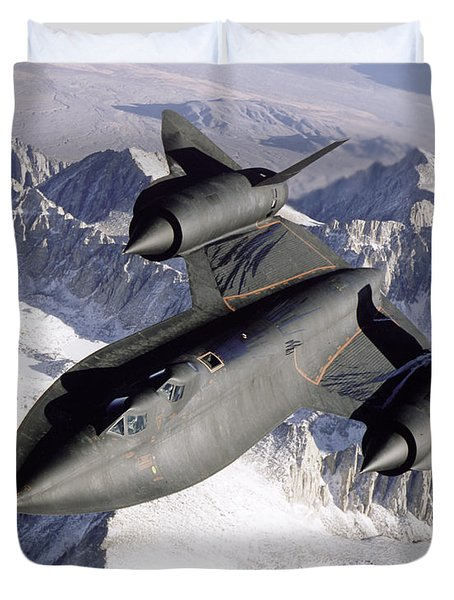 Sr-71b Blackbird In Flight Duvet Cover by Stocktrek Images