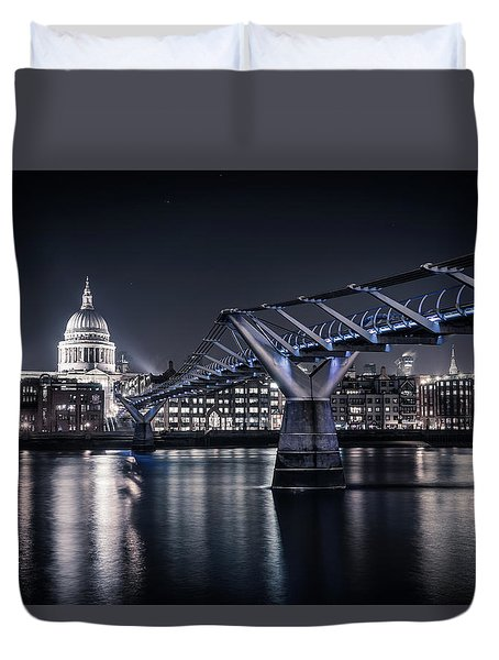 Duvet Cover featuring the photograph St Pauls Cathedral by James Billings